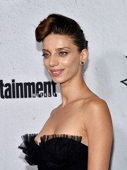 Angela Sarafyan hit the Entertainment Weekly Comic-Con party wearing her hair in a pompadour.
