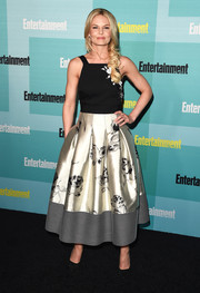 Jennifer Morrison attended the Entertainment Weekly Comic-Con party looking very ladylike in a monochrome floral frock by Sachin & Babi Noir.