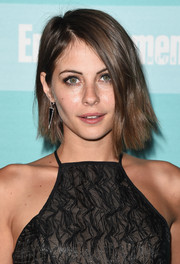 Willa Holland went edgy-chic with this asymmetrical layered cut at the Entertainment Weekly Comic-Con party.