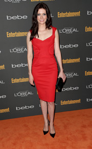 Bitsie Tulloch chose on-trend black pointy pumps to complete her sophisticated ensemble.