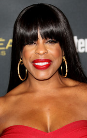 Niecy Nash went for sleek styling with this straight cut with eye-grazing bangs at the Entertainment Weekly pre-Emmy party.