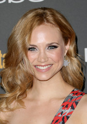 Fiona Gubelmann looked oh-so-pretty at the Entertainment Weekly pre-Emmy party with her high-volume wavy 'do.