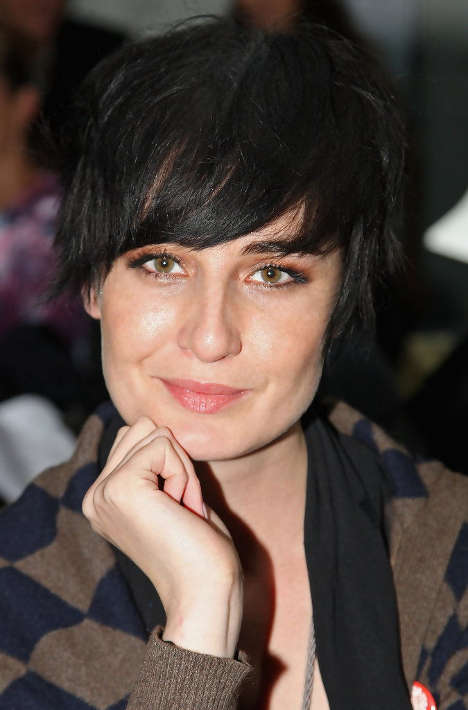 Erin O Connor Short Cut With Bangs Short Hairstyles