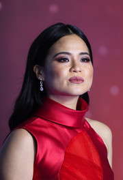 Kelly Marie Tran kept it casual with this loose center-parted style at the European premiere of Star Wars: The Rise of Skywalker.'