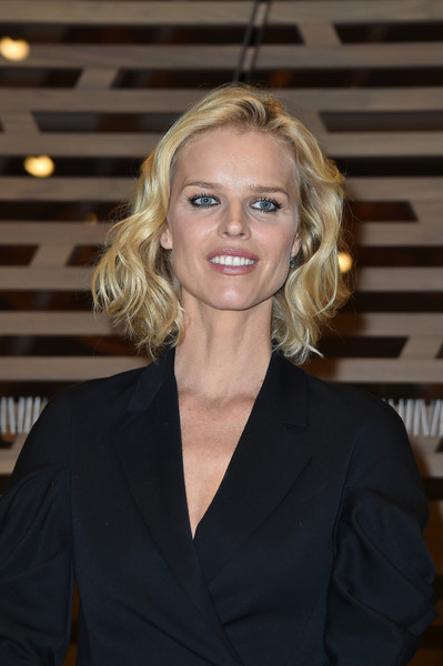 Eva Herzigova Curled Out Bob [cocktail at louis vuitton foundation in paris,hair,blond,hairstyle,beauty,official,layered hair,long hair,smile,white-collar worker,eva herzigova,louis vuitton,icones de lart moderne,cocktail,la collection chtchoukine,paris,france,la collection chtchoukineat,opening]