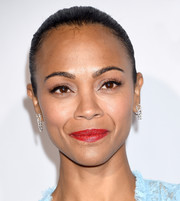 Zoe Saldana kept it classic with this Croydon facelift at the Eva Longoria Foundation dinner.