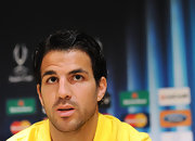 Soccer star Cesc Fabregas wore his hair in natural curls for this FC Barcelona press conference.