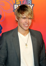 Chord Overstreet, singer and actor, wore his hair in a shaggy side part.
