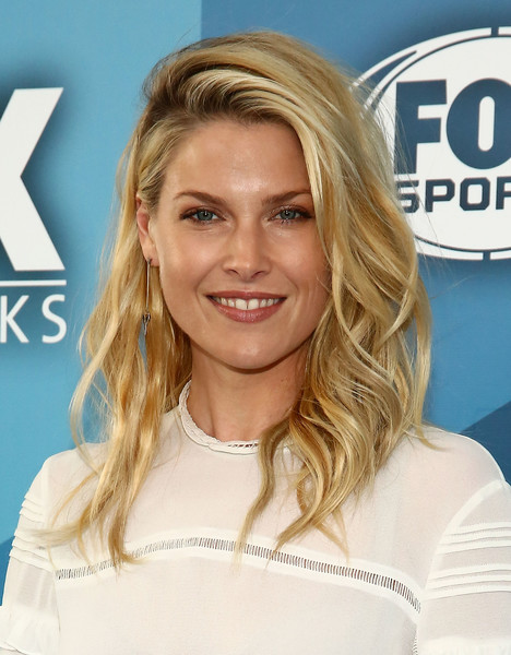 Ali Larter's Flipped Waves