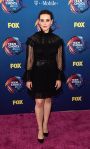 Katherine Langford went goth in a little black lace dress by Alberta Ferretti at the 2018 Teen Choice Awards.