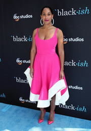 Tracee Ellis Ross coordinated her dress with a pair of pink Louboutins.