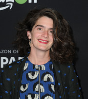 Gaby Hoffmann wore voluminous shoulder-length curls at the FYC special screening for 'Transparent.'