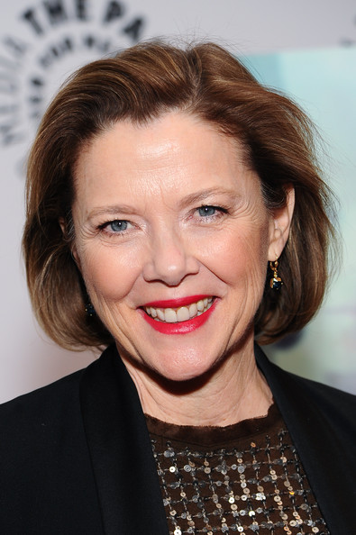 Annette Bening wore her hair in a cute bob at the premiere of 'The Face of Love.'