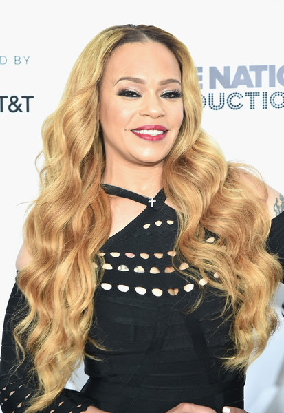 Faith Evans Long Wavy Cut