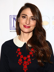 Sara Bareilles wore her hair down in long waves during the Night at the Pier event.