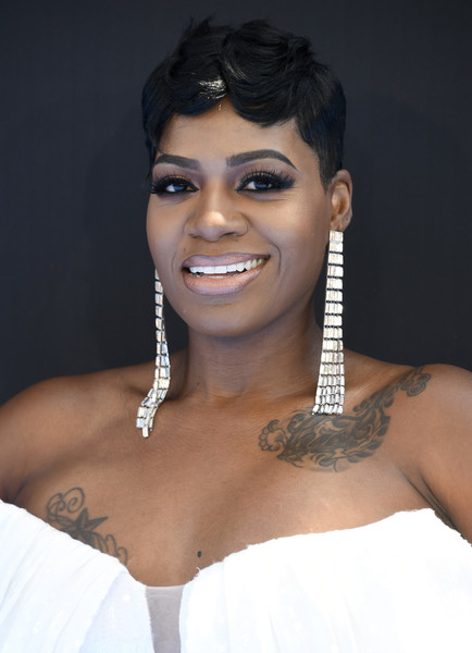 Fantasia Barrino Boy Cut [hair,face,skin,eyebrow,shoulder,beauty,black hair,lip,hairstyle,lady,fantasia barrino,bet awards,microsoft theater,los angeles,california,red carpet]