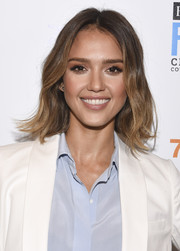 Jessica Alba wore a casual yet cute wavy hairstyle to the LA Creativity Counter Conference.