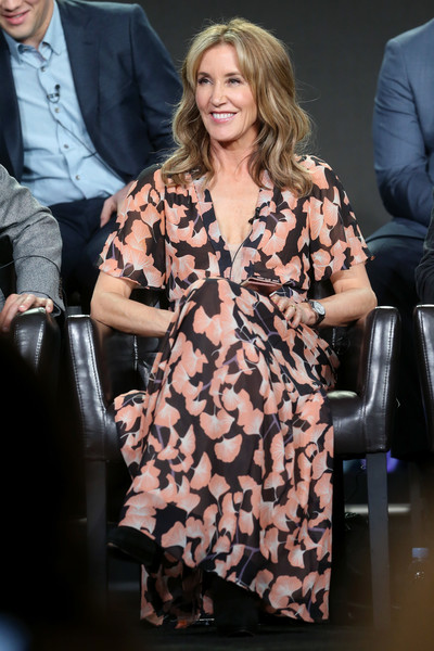Felicity Huffman Print Dress [television show,american crime,clothing,fashion,hairstyle,fashion model,dress,blond,long hair,brown hair,event,outerwear,felicity huffman,langham hotel,california,pasadena,winter tca,disney-abc,portion,winter television critics association press tour]