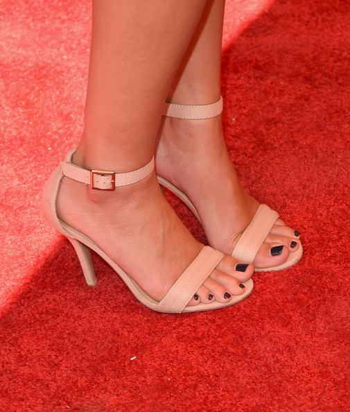 Lauren Conrad kept it simple in nude strappy sandals at the 5th Annual Veuve Clicquot Polo Classic.
