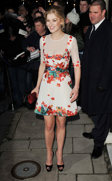 More Pics of Rosamund Pike Cocktail Dress (1 of 2) - Rosamund Pike Lookbook - StyleBistro