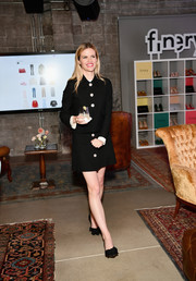 Brooklyn Decker completed her look with a pair of bowed black pumps.