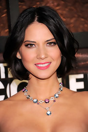 Olivia Munn attended the 1st Annual Comedy Awards sporting a center part bob with a slight curl at the ends.