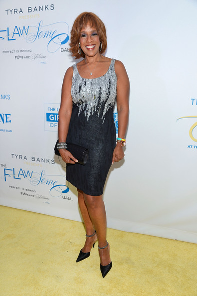 More Pics of Gayle King Bob (1 of 3) - Gayle King Lookbook - StyleBistro [the flawsome ball,clothing,dress,cocktail dress,fashion,hairstyle,carpet,footwear,premiere,fashion design,long hair,tyra banks tzone,gayle king,flawsome ball,lower eastside girls club,new york city,capitale]