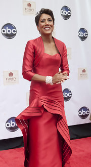Robin Roberts looked downright sophisticated in her red evening dress featuring a huge ruffle embellishment and a bolero.