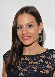 Kara DioGuardi arrived at the Night for a Cure party with just a silvery sweep of shadow across her lids. To recreate the look, we recommend trying Maybelline Expertwear Eyeshadow in Silver Lining. Simply dust on upper lids and add a coat of black and mascara.