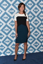 Vanessa Lachey was modern and stylish in a tricolor sheath during the Fox All-Star party.