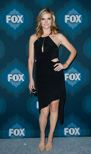 With its halter and keyhole neckline, waist cutouts, and asymmetrical hem, Missi Pyle's LBD at the Fox All-Star party looked good enough to tango in.
