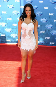 Pia Toscano looked angelic at the finale of 'American Idol 2011' in pointy pearl pumps with delicate ankle straps.