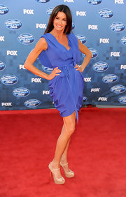 Janice Dickinson stood tall at the finale of 'American Idol' in nude patent Bana peep-toes.