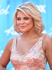 Lauren Alaina arrived for the 'American Idol' finale wearing her shoulder-length 'do in casual lightly tousled waves.