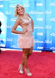 Lauren Alaina wore a pair of pretty pale peach T-strap heels to the 2012 'American Idol' finale.