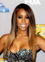 Kelly Rowland looked hip with her long, straight layered cut at the 'X Factor' season finale.