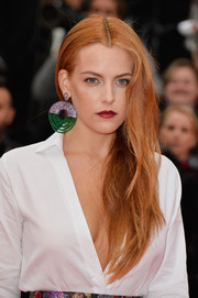 Riley Keough sported an edgy-glam center-parted 'do at the 'Foxcatcher' premiere.