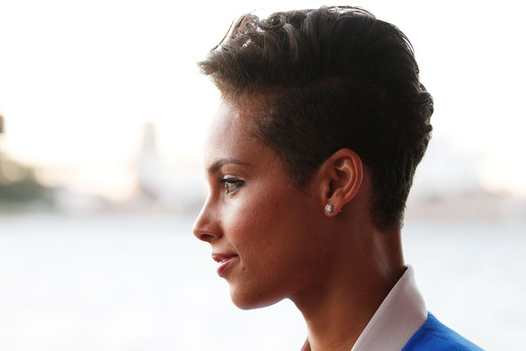 More Pics Of Alicia Keys Fauxhawk 8 Of 12 Short Hairstyles