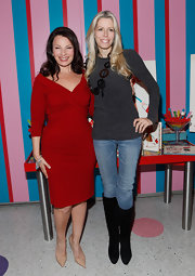 Aviva Drescher made her casual tee and jeans ensemble still fashionable by wearing a pair of knee-high boots during an event hosted by Fran Drescher.