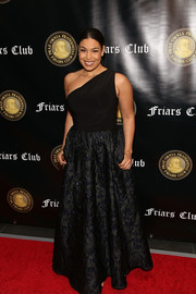 Jordin Sparks attended the Friars Club event honoring Billy Crystal wearing a classic black one-shoulder gown.