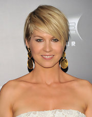 Veteran actress Jenna Elfman looked fresh and chic in a strapless white dress at the 'Friends with Benefits' premiere. Jenna opted for a choppy short hairstyle to show off her bold gold earrings.