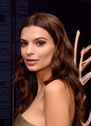 Emily Ratajkowski stuck to her usual long center-parted waves when she attended the photocall and after-party for 'We Are Your Friends.'