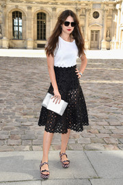 Giovanna Meneghel styled her tee with a sexy yet sweet eyelet skirt.