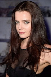 Roxane Mesquida sported a casual yet pretty center-parted 'do at the H&M fashion show.