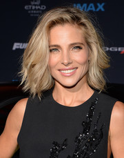 Elsa Pataky teased her short blonde locks into this high-volume, subtly wavy 'do for the 'Furious 7' LA premiere.