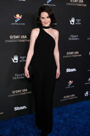 Michelle Dockery looked vampy in a fitted one-shoulder jumpsuit with choker detail at the 2020 G'Day USA Gala.