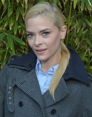 Jaime King pulled her hair back into a side-parted ponytail for the GANT Rugger collection presentation.
