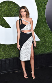 Sarah Hyland looked ravishing in a monochrome one-shoulder crop-top by Jonathan Simkhai at the GQ 20th Anniversary Men of the Year party.