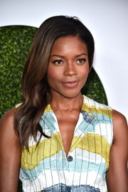 Naomie Harris looked oh-so-elegant wearing this wavy side sweep at the GQ 20th Anniversary Men of the Year party.
