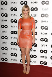 Alice Eve paired her fab dress with simple nude pointy pumps.